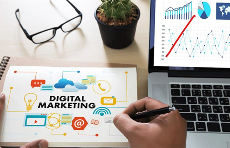 Business Strategies to Compete in the Digital Age